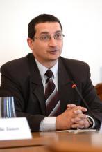 Dr. Verók Attila fotója